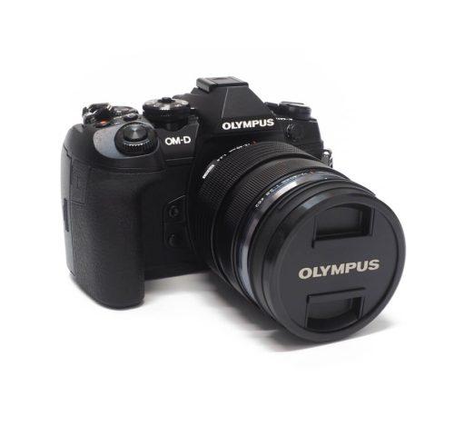 olympus-camara-e-m1-mark-ii-y-objetivo-m-zuiko-12-40