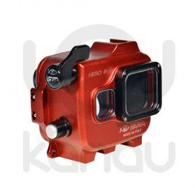 La Carcasa Isotta para la cámara de acción, modelo GoPro 6 black , está fabricada en aluminio marino anticorrosión. Con acceso a todos los diales principales de la cámara.