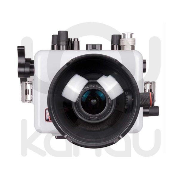 La carcasa Ikelite específica para la cámara Canon EOS M5, está fabricada en ABS gris en la parte delantera y policarbonato de alta-resistencia en la parte trasera. Los mandos son de acero inoxidable, tenemos control total de los mandos de la cámara.