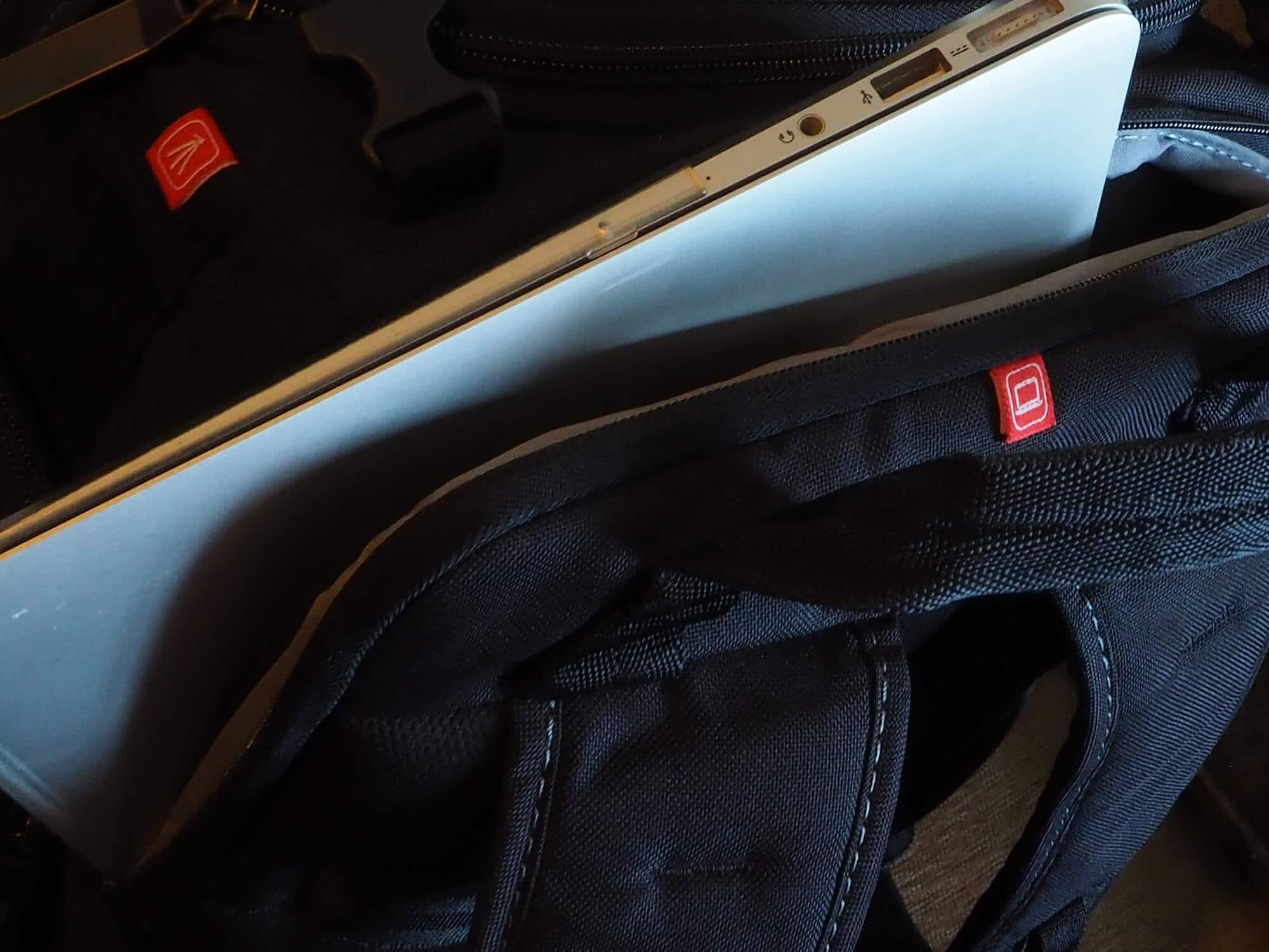 Compartimento para portatil mochila foto