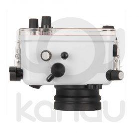 La carcasa Ikelite específica para cámara Canon Powershot G7X Mark III, está fabricada en ABS gris en la parte delantera y policarbonato de alta-resistencia en la parte trasera. Los mandos son de acero inoxidable, tenemos control total de los mandos de la cámara.