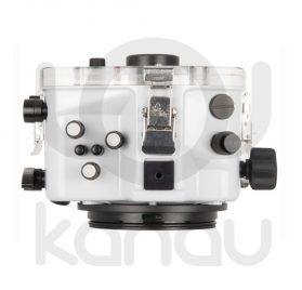 La carcasa Ikelite específica para cámara Sony A7R Mark IV está fabricada en ABS gris en la parte delantera y policarbonato de alta-resistencia en la parte trasera. Los mandos son de acero inoxidable, tenemos control total de los mandos de la cámara.