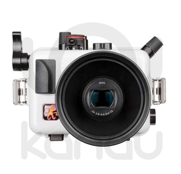 La carcasa Ikelite específica para cámara Sony RX100 Mark VI y Mark VII está fabricada en ABS gris en la parte delantera y policarbonato de alta-resistencia en la parte trasera. Los mandos son de acero inoxidable, tenemos control total de los mandos de la cámara.