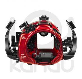 La Carcasa Isotta para la cámara sin espejo Sony A7 Mark II, está fabricada en aluminio marino anticorrosión. Con acceso a todos los diales de la cámara.